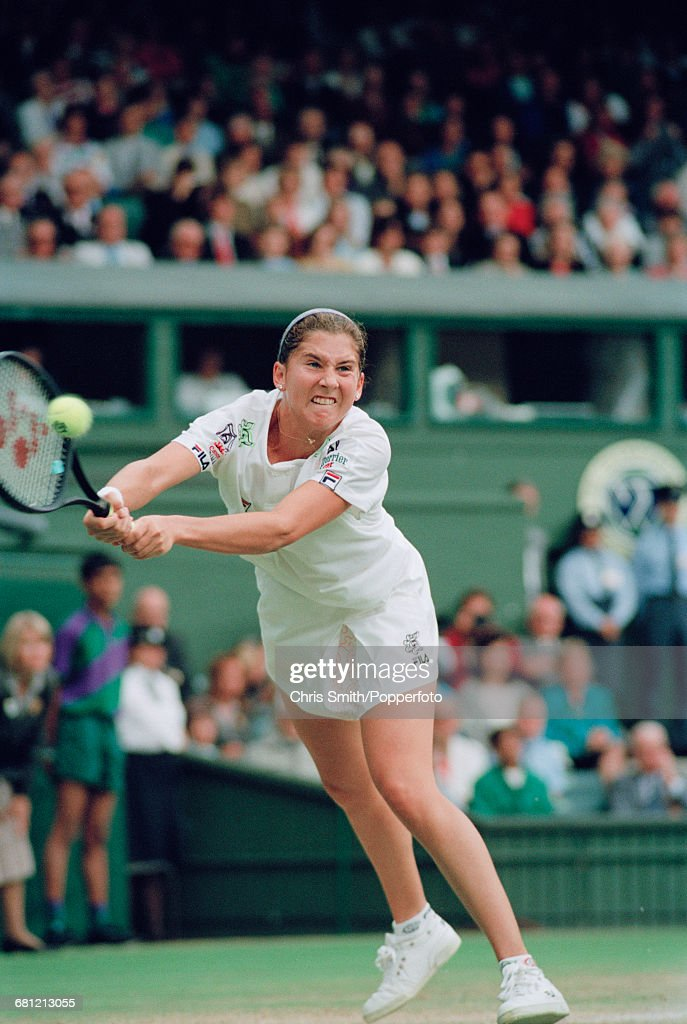 Monica Seles At 1992 Wimbledon Championships : News Photo