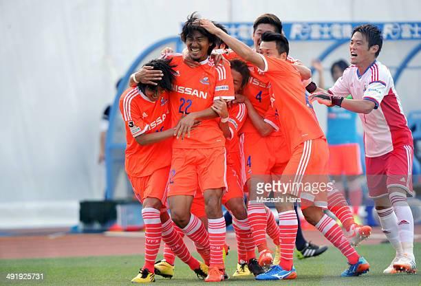 Yuji Nakazawa of Yokohama FMarinos celebrates the third goal during the JLeague match between Kawasaki Frontale and Yokohama FMarinos at Todoroki...