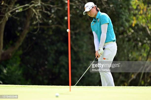 Yuka Saso of Japan chips onto the 6th green during the second round of the Descente Ladies Tokai Classic at the Shin Minami Aichi Country Club Mihama...