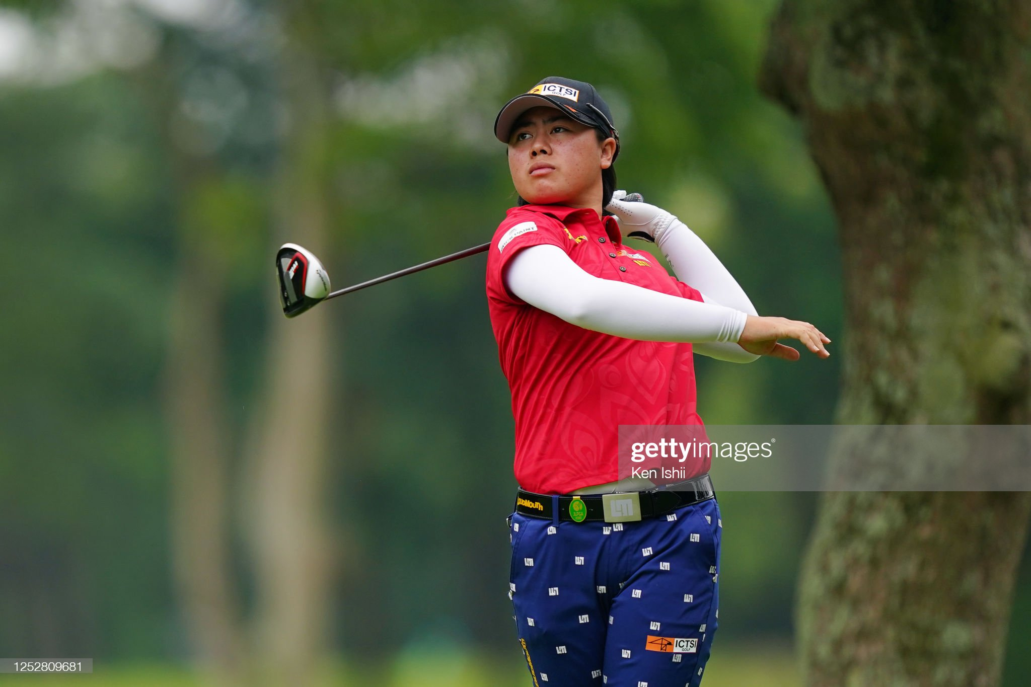 https://media.gettyimages.com/photos/yuka-saso-of-japan-hits-her-tee-shot-on-the-3rd-hole-during-the-third-picture-id1252809681?s=2048x2048