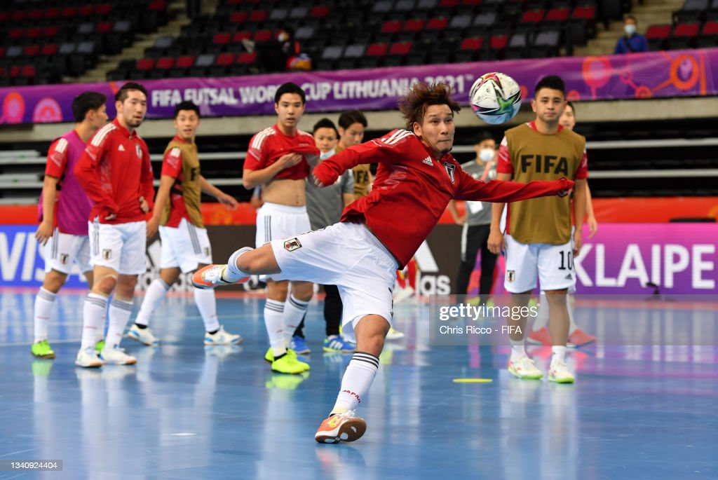 Yuki Murota of Japan warms up prior to the FIFA Futsal World Cup 2021...  News Photo - Getty Images