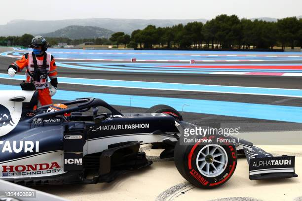 Yuki Tsunoda of Japan and Scuderia AlphaTauri stops on the circuit after spinning during qualifying ahead of the F1 Grand Prix of France at Circuit...