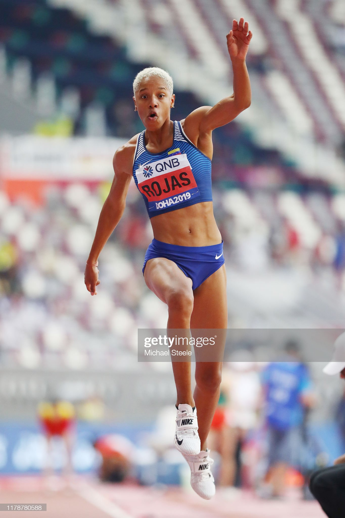¿Cuánto mide Yulimar Rojas? - Altura - Real height Yulimar-rojas-of-venezuela-competes-in-the-womens-triple-jump-during-picture-id1178780588?s=2048x2048