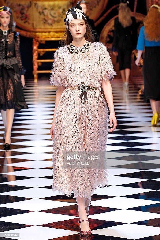 Dolce & Gabbana - Runway - Milan Fashion Week FW16 : News Photo
