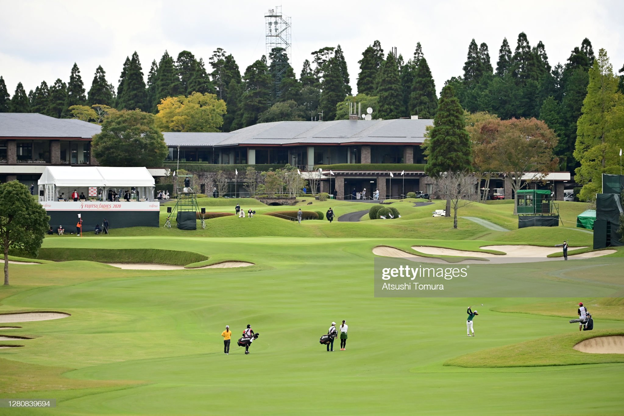 https://media.gettyimages.com/photos/yuna-nishimura-of-japan-hits-her-second-shot-on-the-18th-hole-during-picture-id1280839694?s=2048x2048