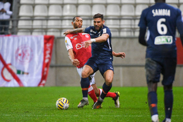 MHSC -EQUIPE DE MONTPELLIER -LIGUE1- 2019-2020 - Page 4 Yunis-abdelhamid-of-reims-and-andy-delort-of-montpellier-during-the-picture-id1189275397?k=6&m=1189275397&s=612x612&w=0&h=SPDGd8CRn04b4nTxgn75lVty-ywEU3N-XmKi6c4zLyk=