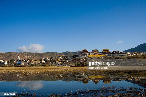 yunnan,diqing,shangri-la,songzanlin temple, - provinz yunnan stock-fotos und bilder