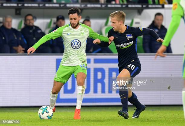 Yunus Malli of VfL Wolfsburg and Arne Maier of Hertha BSC during the game between VfL Wolfsburg and Hertha BSC on november 5 2017 in Wolfsburg Germany