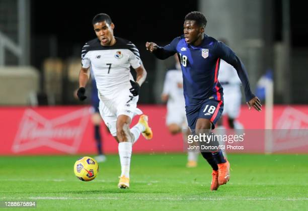 Yunus Musah of the United States moving looking for an open man during a game between Panama and USMNT at Stadion Wiener Neustadt on November 16,...