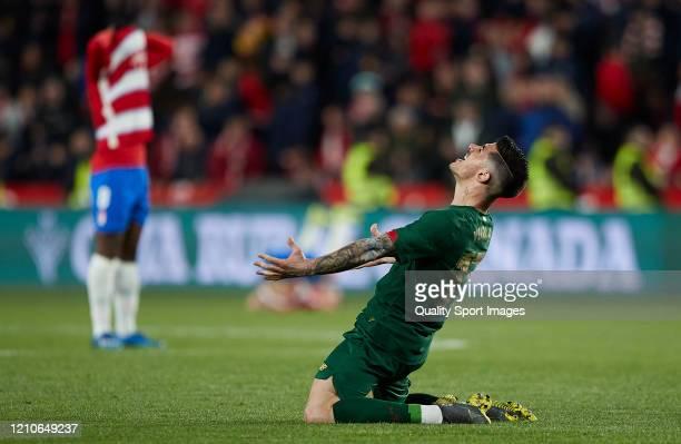 Yuri Berchiche of Athletic Bilbao celebrates after winning the Copa del Rey Semi Final second leg match between Granada CF and Athletic Club at Nuevo...