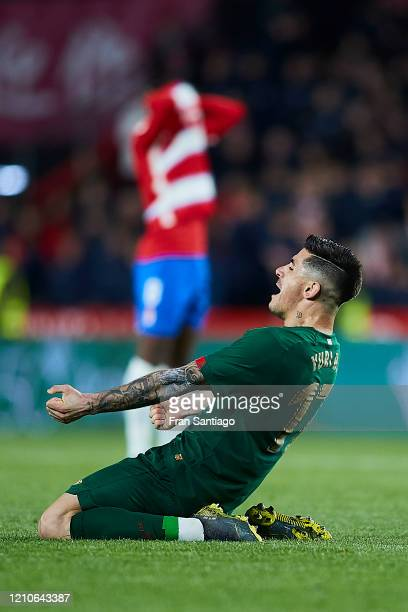 Yuri Berchiche of Athletic Club celebrates after winning the Copa del Rey semifinal 2nd leg match between Granada CF and Athletic Club at Estadio...