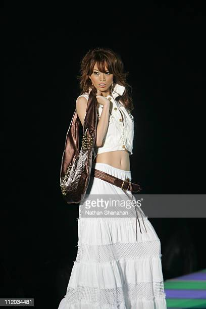 Yuri Ebihara wearing SWORD FISH the Tokyo Girls Collection by girlswalkercom 2006 Spring/Summer