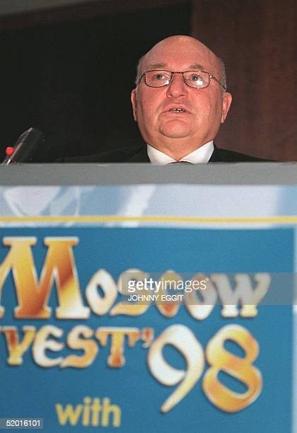 Yuri Luzhkov the Mayor of Moscow makes the opening speech 21 October at Moscow Invest '98 conference under the auspices of the Moscow International...
