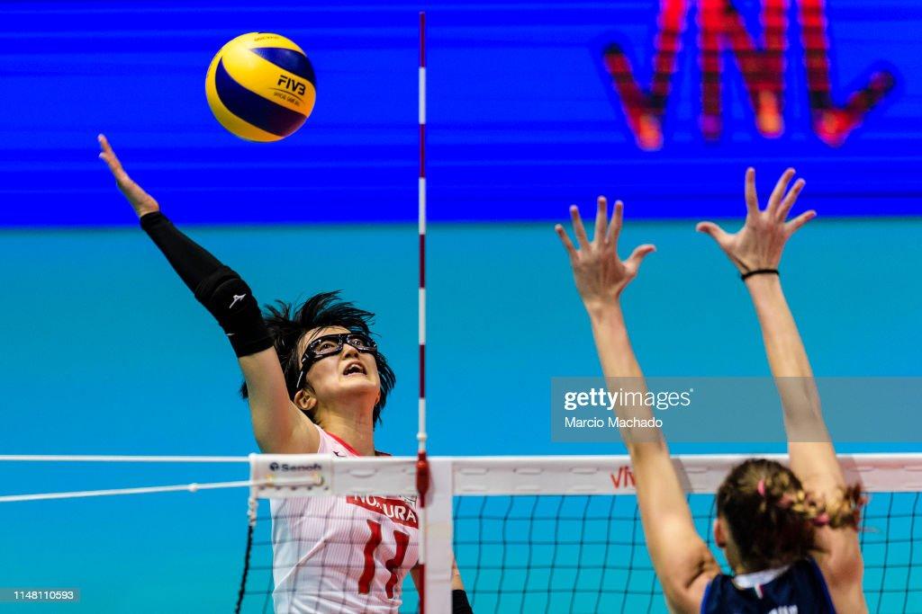 Italy v Japan - FIVB Women's Nations League : ニュース写真