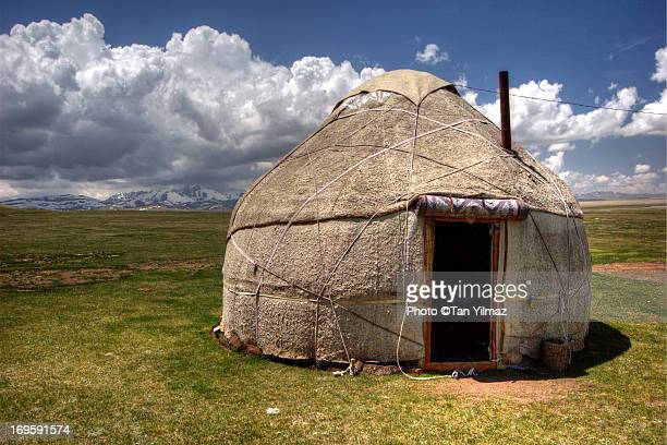 yurt at song kol - yurt stock pictures, royalty-free photos & images
