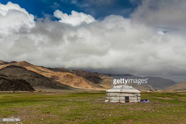 yurt in the background of the mountains. - anton petrus stock pictures, royalty-free photos & images
