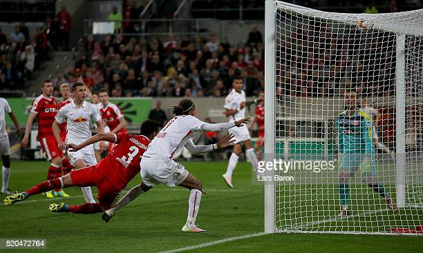 Yussuf Poulsen of Leipzig scores his teams third goal during the Second Bundesliga match between Fortuna Duesseldorf and RB Leipzig at Esprit-Arena...