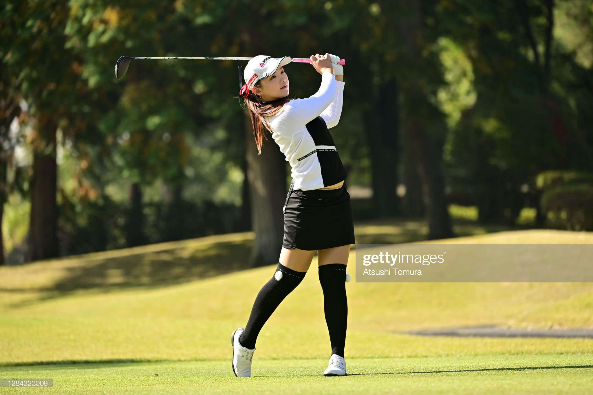 https://media.gettyimages.com/photos/yuting-seki-of-china-hits-her-tee-shot-on-the-9th-hole-during-the-picture-id1284323009?s=2048x2048