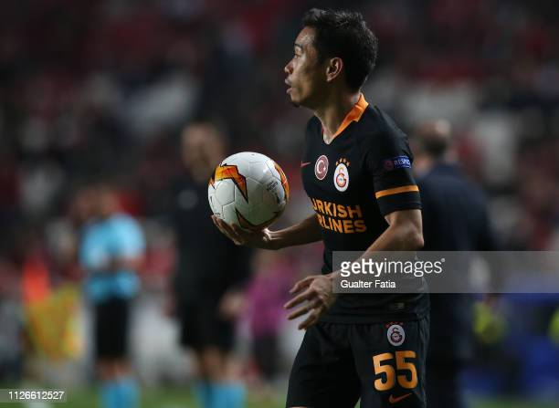 Yuto Nagatomo of Galatasaray in action during the UEFA Europa League Round of 32 Second Leg match between SL Benfica and Galatasaray at Estadio da...