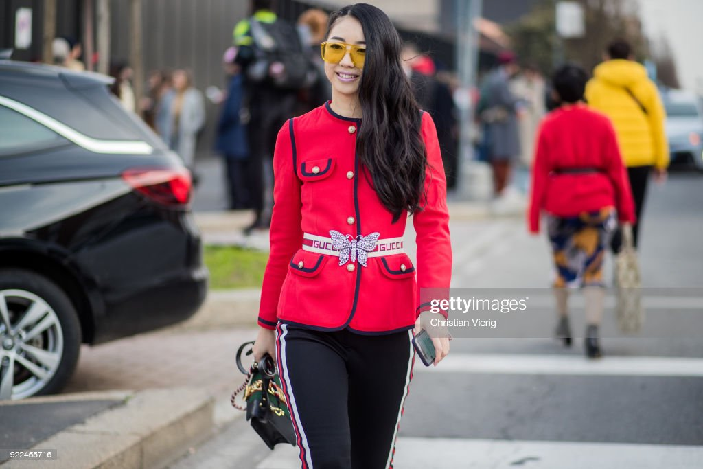 Street Style: February 21 - Milan Fashion Week Fall/Winter 2018/19 : Photo d'actualité