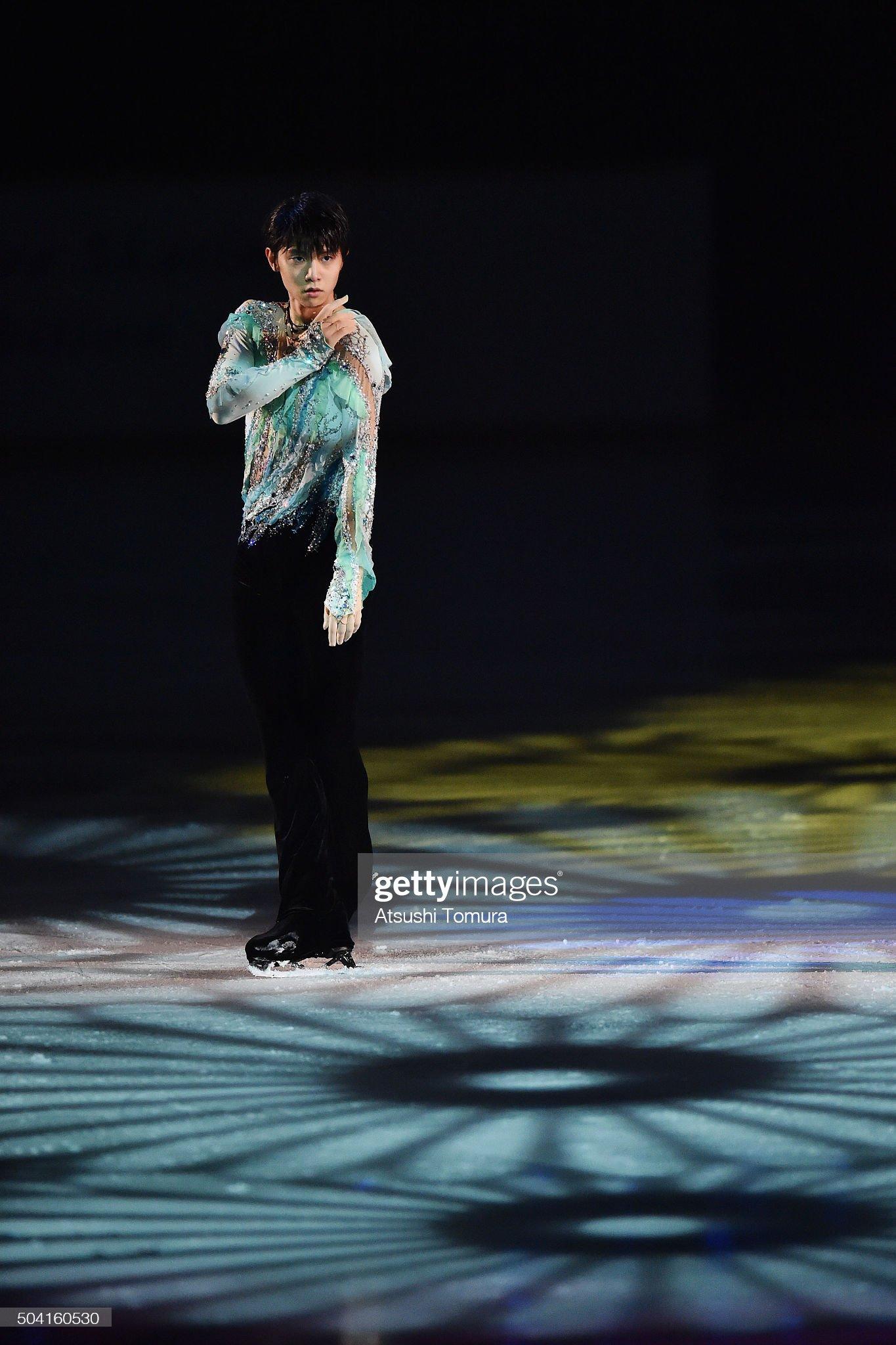 yuzuru-hanyu-of-japan-performs-his-routi