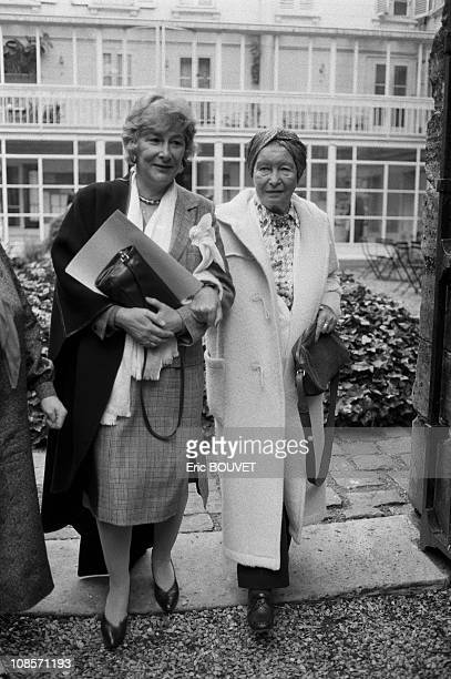Yvandte Roudy and Simone de Beauvoir in Paris France on May 15 1984
