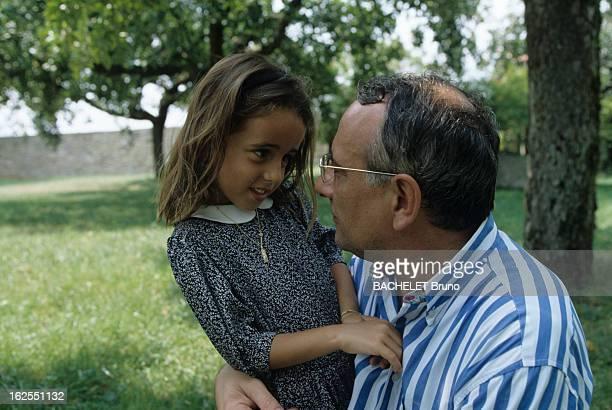 Yves Mourousi And His Daughter Sophie At Alain Dominique Perrin Her Godfather Dans le lot au château Lagrezette appartenant à son ami Alain Dominique...
