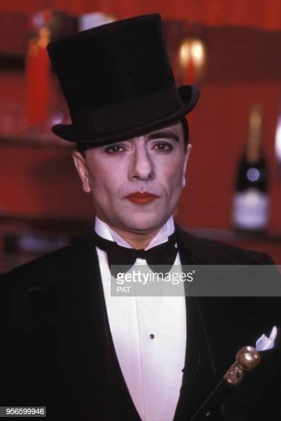 Yves Mourousi lors du show 'Cotton Club' à la télévision le 11 décembre 1984 à Paris France
