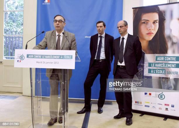 Yves Rolland secrétaire général de France télécom intervient lors du lancement de la campagne 'Agir contre le harcèlement à l'école' le 24 janvier...