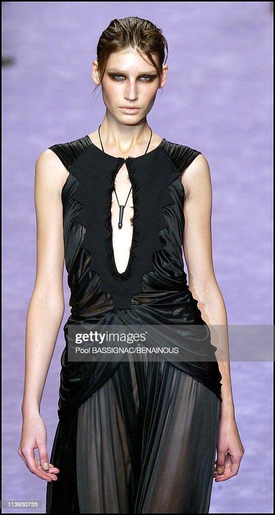 818e8abd718 Yves Saint Laurent fashion show for the Spring-Summer 2003,... News ...