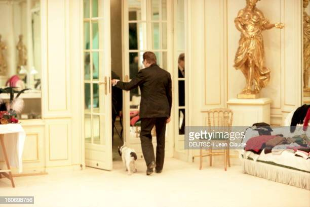 Yves Saint Laurent Prepares His Fall Winter 1999 2000 Couture Collection Yves SAINT LAURENT prépare sa collection haute couture AutomneHiver 19992000...
