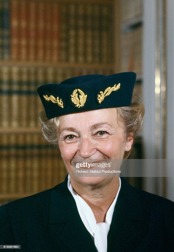 French Police Commissioner Yvette Chassagne : Photo d'actualité