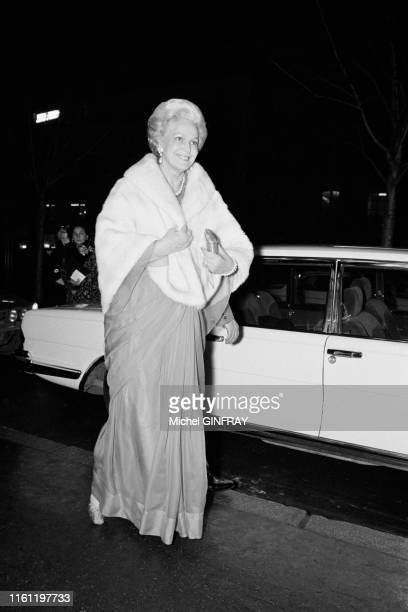 Yvette Labrousse, dites La Begum arrive au récital de Maria Callas au Théâtre des Champs-Elysées le 7 décembre 1973, France.