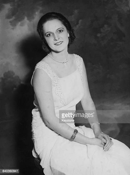 Yvette Labrousse winner of the Miss France 1930 contest circa 1930 In 1944 she married the Sir Sultan Muhammad Shah Aga Khan III becoming the Begum...