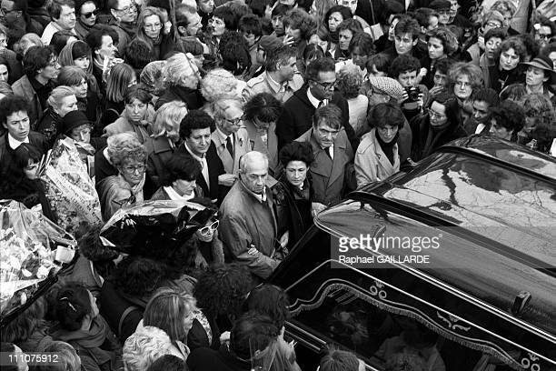Yvette Roudy at the Simone de Beauvoir's funeral in Paris France on April 19th 1986