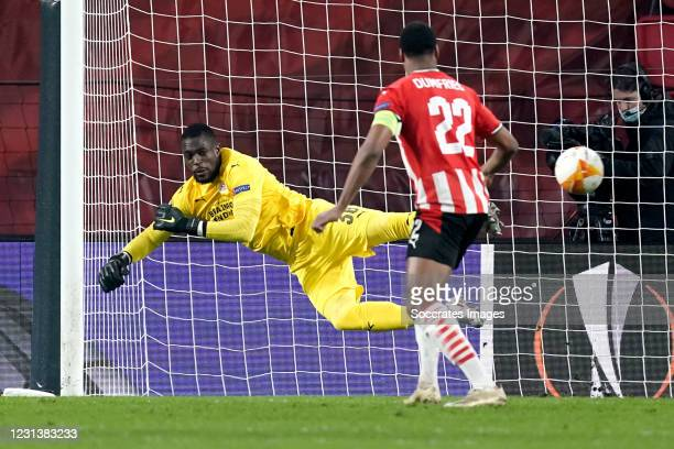 Yvon Mvogo of PSV during the UEFA Europa League match between PSV v Olympiakos Piraeus at the Philips Stadium on February 25, 2021 in Eindhoven...