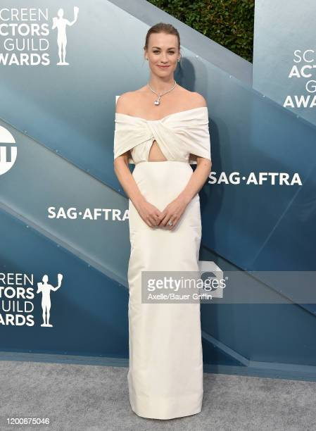 Yvonne Strahovski attends the 26th Annual Screen Actors Guild Awards at The Shrine Auditorium on January 19, 2020 in Los Angeles, California.