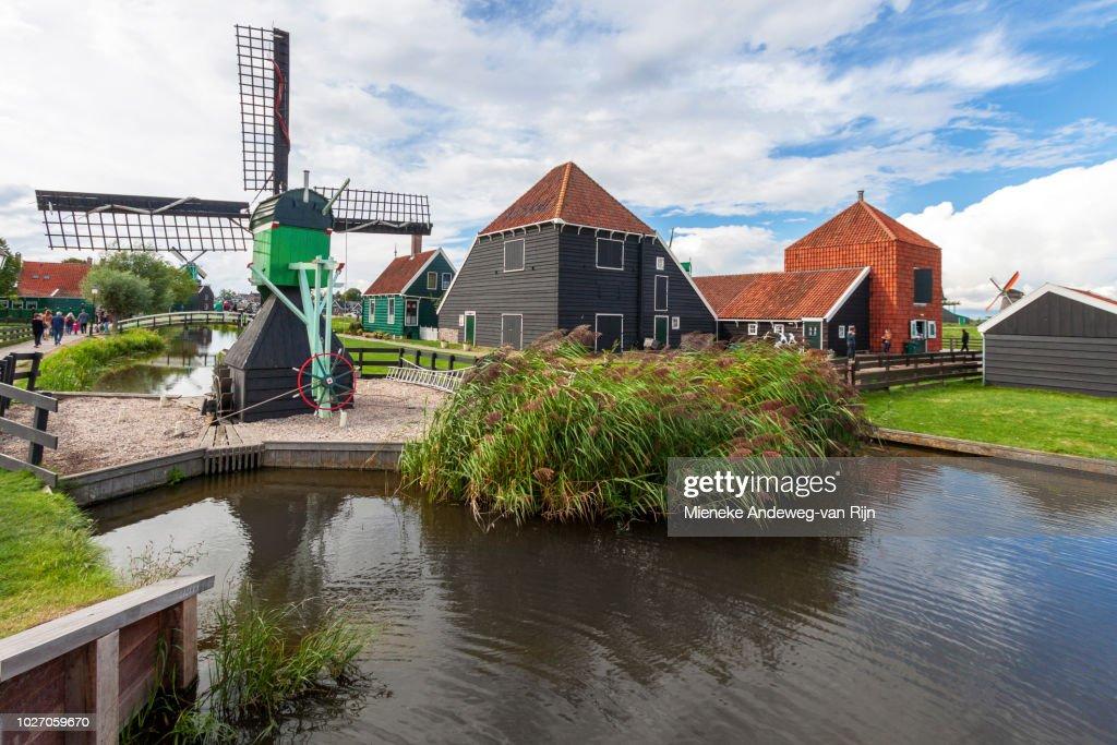 Zaanse Schans, with historic windmills and houses, Zaandam, North Holland, The Netherlands. : ストックフォト