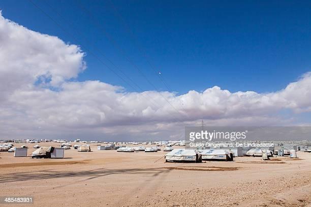 zaatari syrian refugee camp, jordan - refugee camp stock pictures, royalty-free photos & images