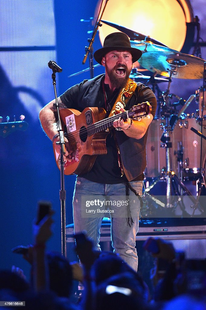 2015 CMT Music Awards - Show : News Photo
