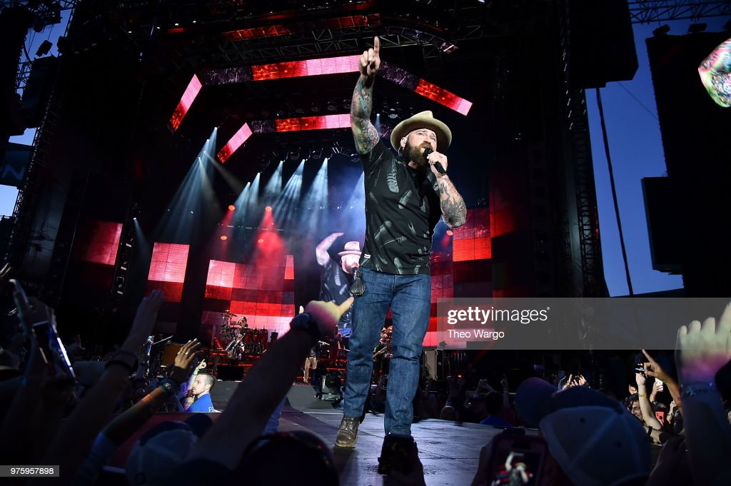 "Zac Brown Band ""Down The Rabbit Hole"" Tour - Boston : News Photo"