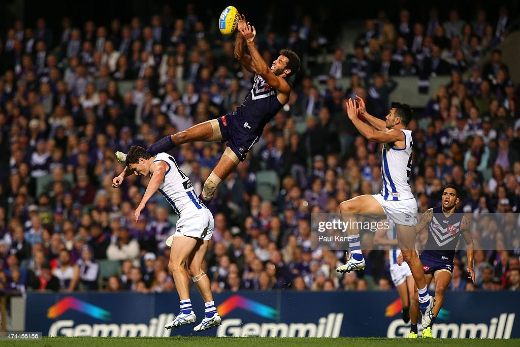 Zac Clarke of the Dockers sets for a mark during the round eight AFL match between the Fremantle Dockers and the North Melbourne Kangaroos at Domain Stadium on May 23, 2015 in Perth, Australia.