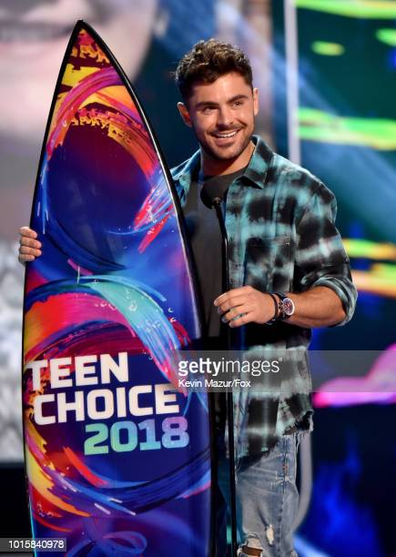 Zac Efron accepts the Choice Drama Movie Actor award for 'The Greatest Showman' onstage during FOX's Teen Choice Awards at The Forum on August 12...
