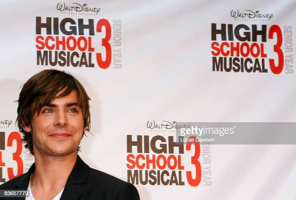 Zac Efron attends the premiere of 'High School Musical 3: Senior Year' at the Village Jam Factory on November 12, 2008 in Melbourne, Australia.