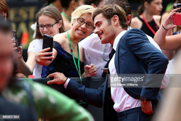 Zac Efron greets fans during the Australian premiere of The Greatest Showman at The Star on December 20 2017 in Sydney Australia