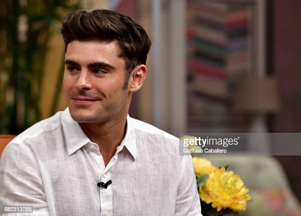 Zac Efron is on the set of 'Despierta America' to promote the film 'Baywatch' at Univision Studios on May 12 2017 in Miami Florida