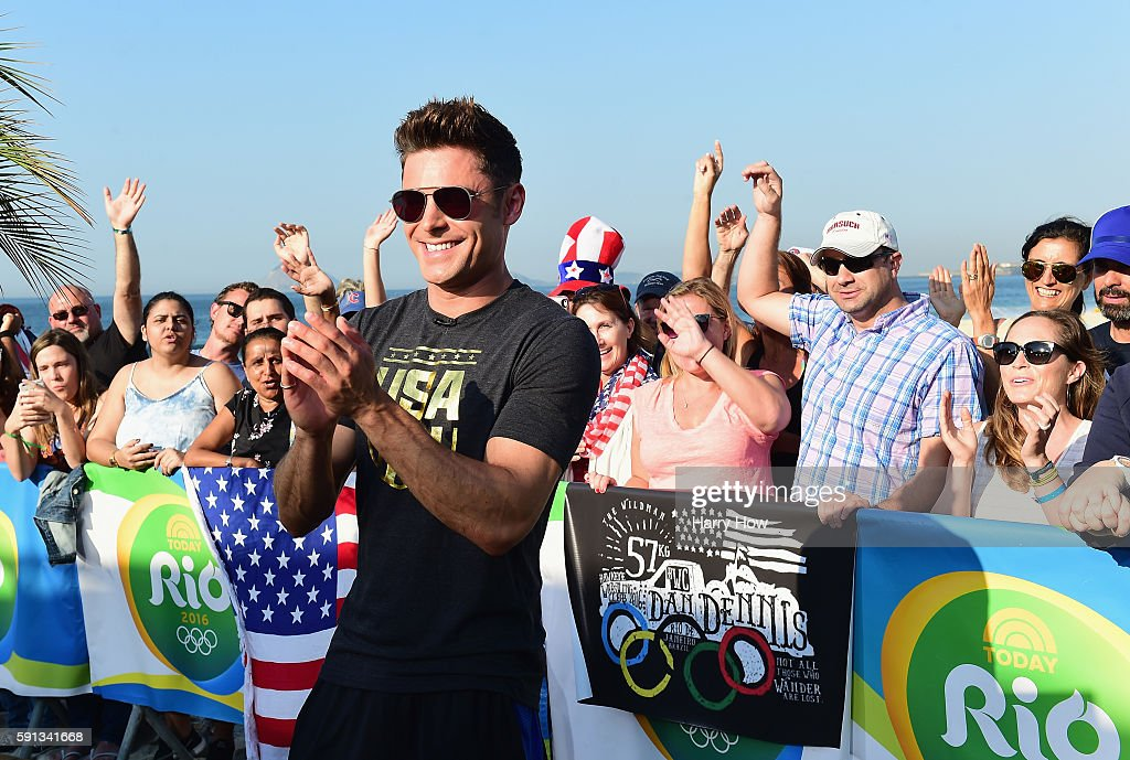 Zac Efron makes an appearance on the Today show set on Copacabana Beach on August 17, 2016 in Rio de Janeiro, Brazil.
