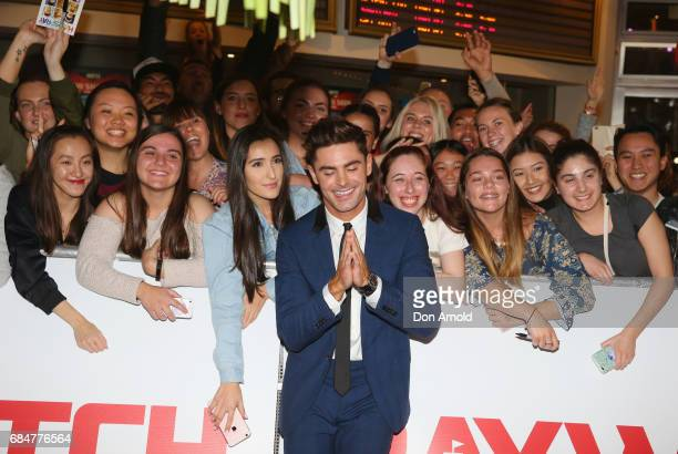 Zac Efron poses alongside fans ahead of the Australian Premiere of Baywatch on May 18 2017 in Sydney Australia