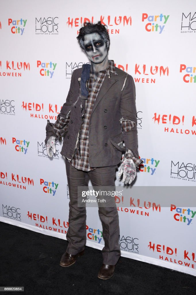 Zac Posen attends Heidi Klum's 18th annual Halloween party at Magic Hour Rooftop Bar & Lounge on October 31, 2017 in New York City.