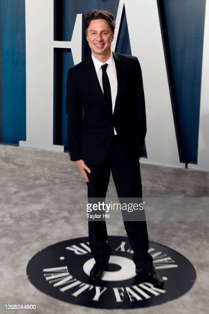 Zach Braff attends the Vanity Fair Oscar Party at Wallis Annenberg Center for the Performing Arts on February 09, 2020 in Beverly Hills, California.